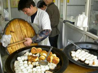 焼き餃子と焼き小龍包