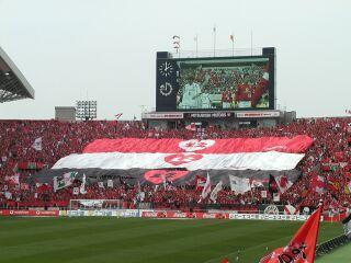 試合直前の三色旗